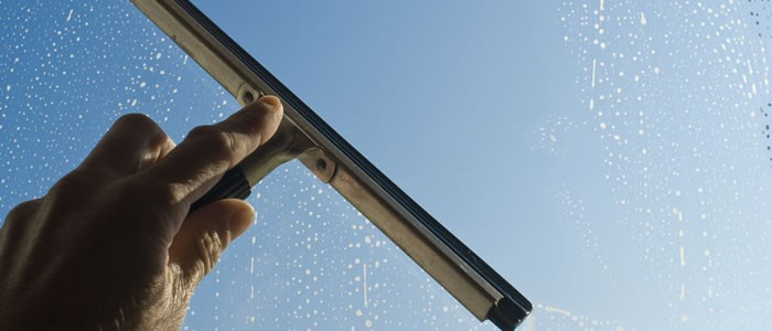 Choose Best Window Cleaners Services For Your Office In London