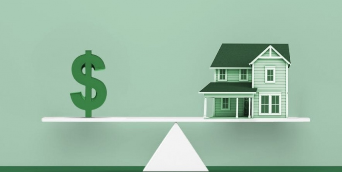 How to Decide If It's The Right Time to Refinance Your Home